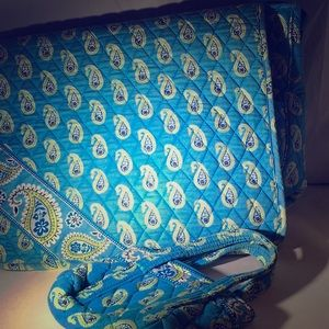 Vera Bradley Messenger Bag matching cosmetic bag
